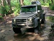 Mercedes w Parku jurajskim