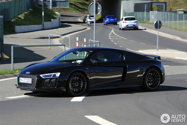 Time Makes Us Get Used To The Audi R8 V10 Plus 2015