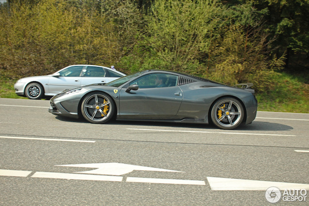 Gespot: Ferrari 458 Speciale Novitec Rosso