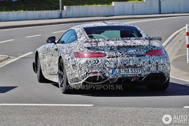 Nowości z Affalterbach: Mercedes-AMG GT R i RS
