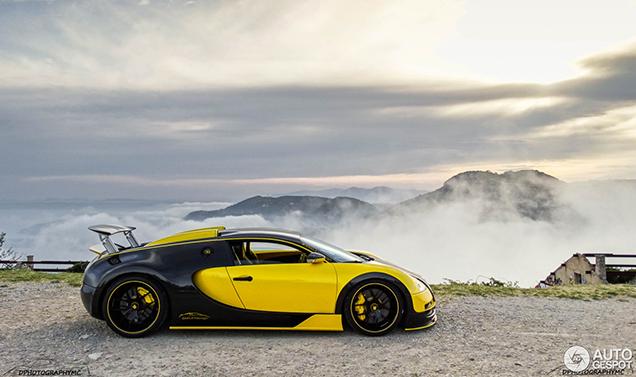 Prachtige foto's van de unieke Bugatti Veyron 16.4 Oakley Design
