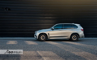 BMW X5 M krijgt HRE en Akrapovic behandeling