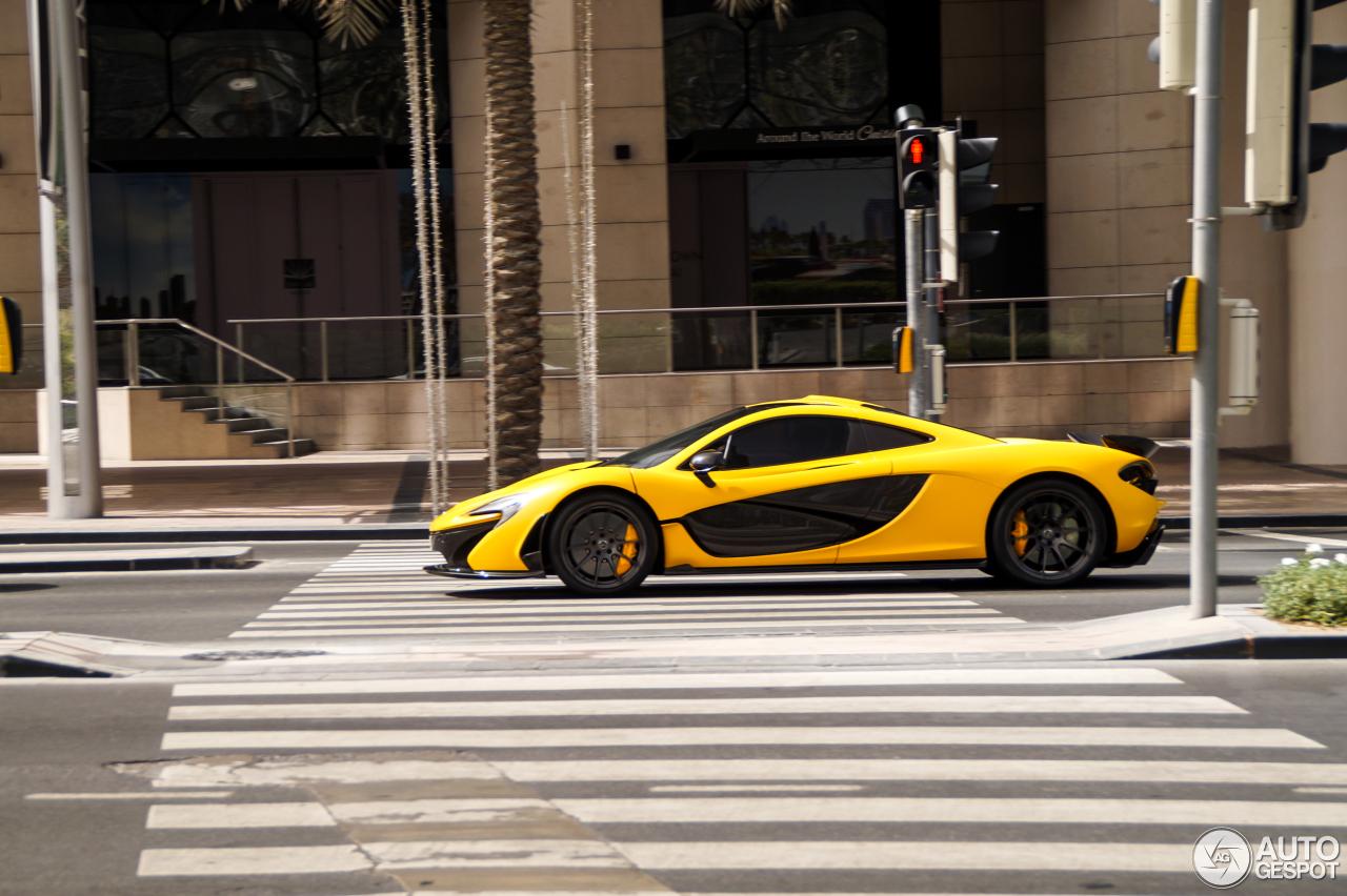Bijzondere McLaren P1 in Dubai