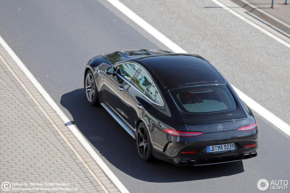 Mercedes-AMG GT 63 in vol ornaat te bewonderen