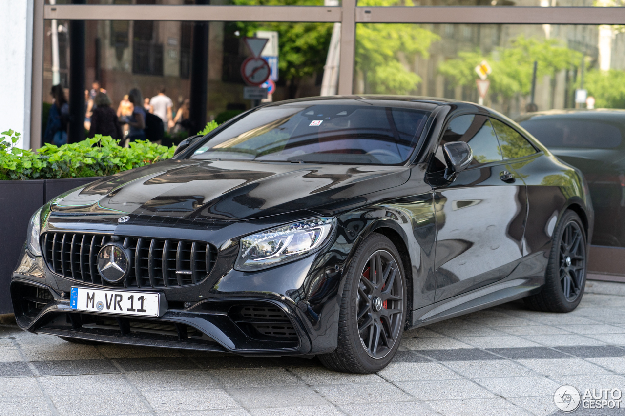 Black on Black | S 63 AMG Coupé na Hungria