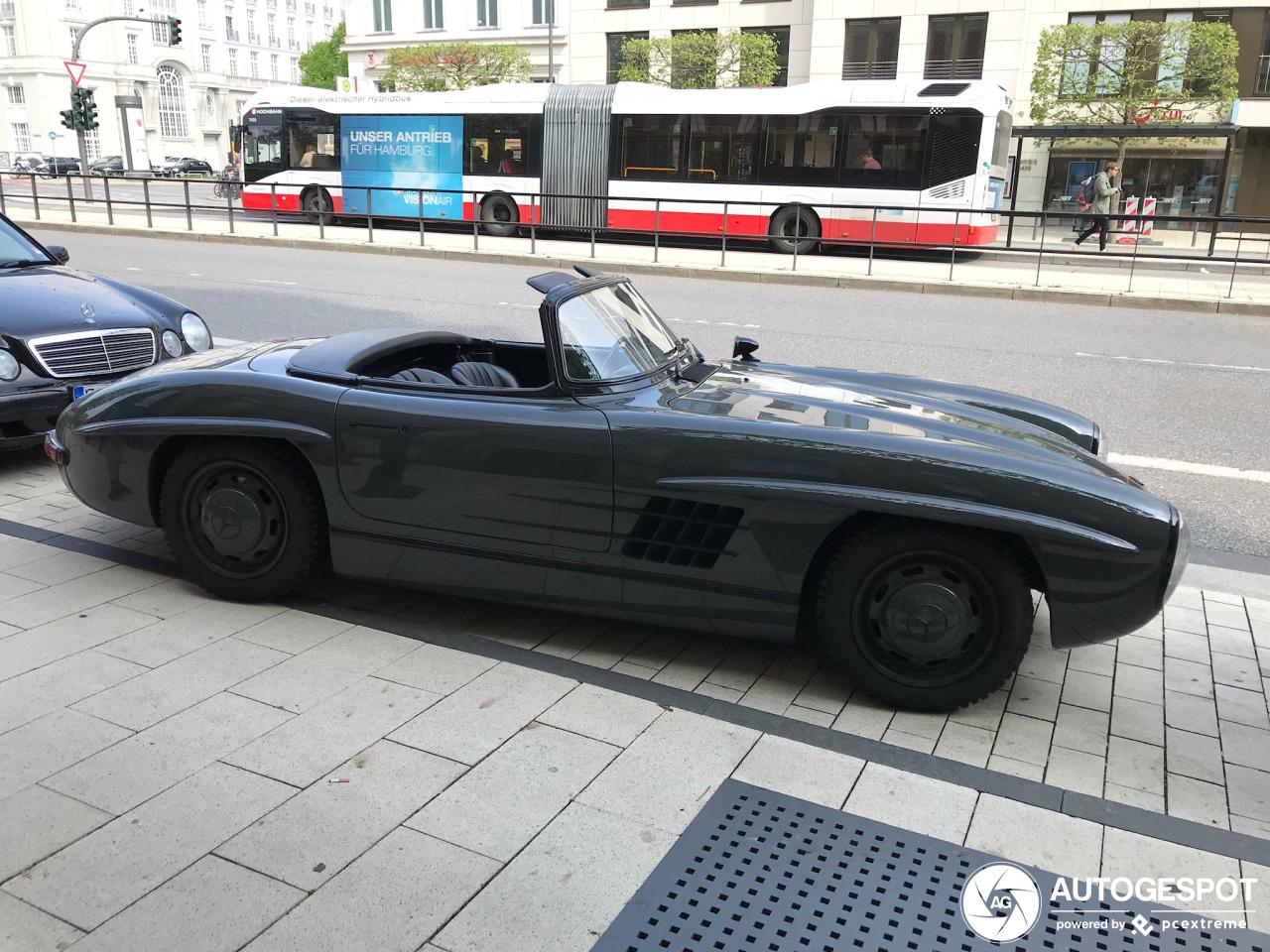 Wat is er met deze Mercedes-Benz 300 SL Roadster gebeurd?