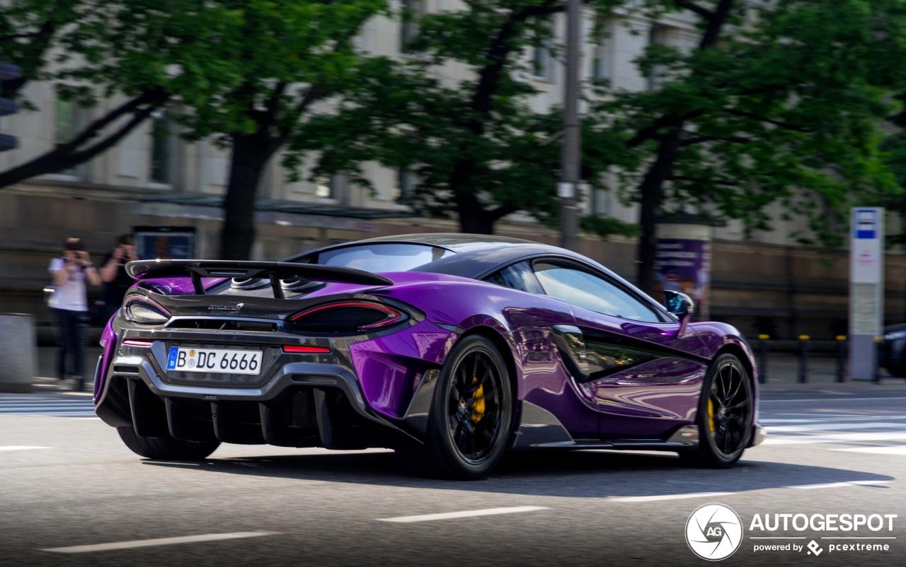 Paarse McLaren 600LT maakt enorm hebberig