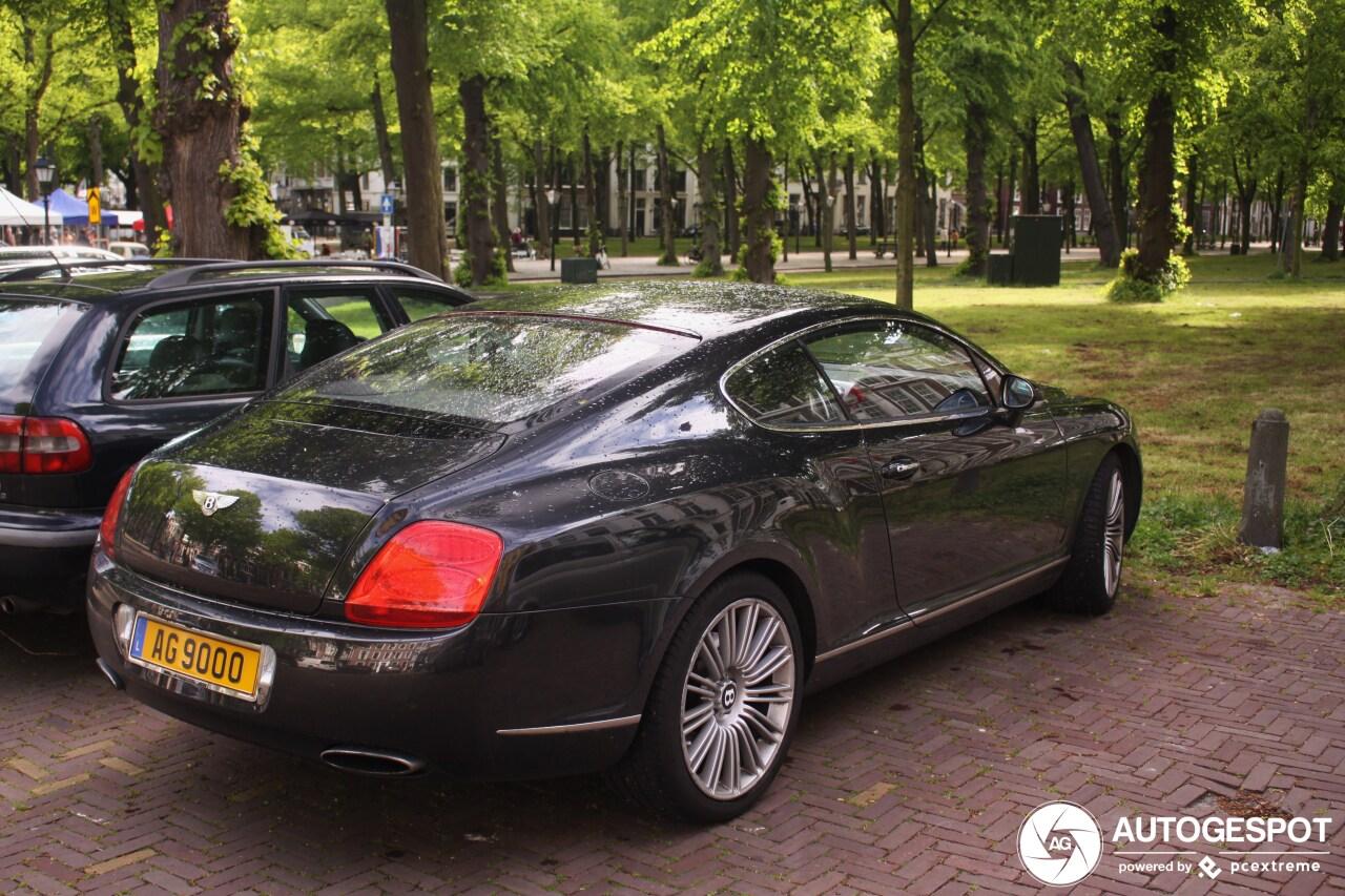 Gespot: Schuchtere Bentley GT Speed duikt op in Den Haag