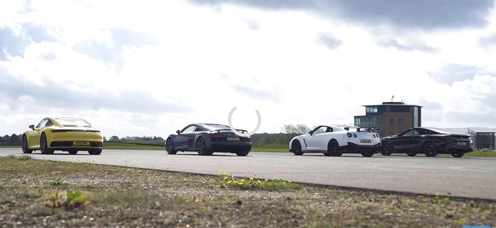 Filmpje Porsche 992 Carrera S vs GT-R NISMO vs Audi R8 vs BMW M850i