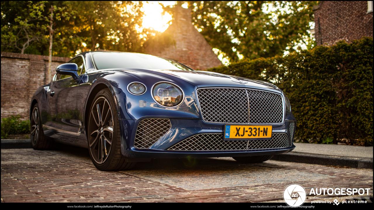Prachtige foto's tonen klasse van de Bentley Continental GT