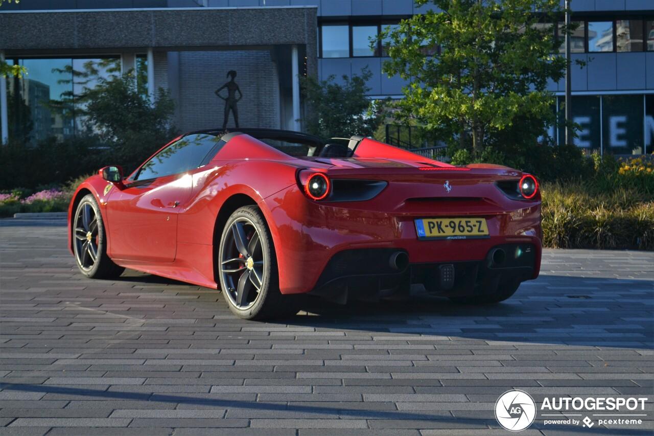 Met deze Ferrari maak je een blitse entree