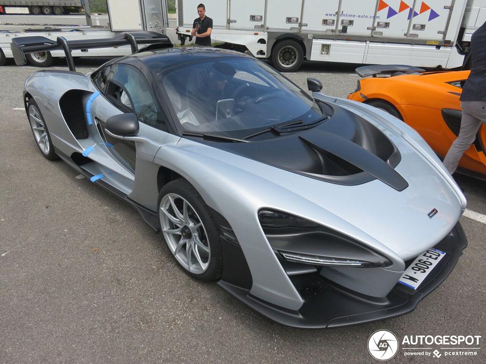 Nieuwe McLaren Senna wordt afgeleverd in La Turbie