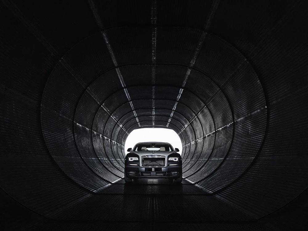 De Rolls-Royce Wraith Eagle VIII is geland