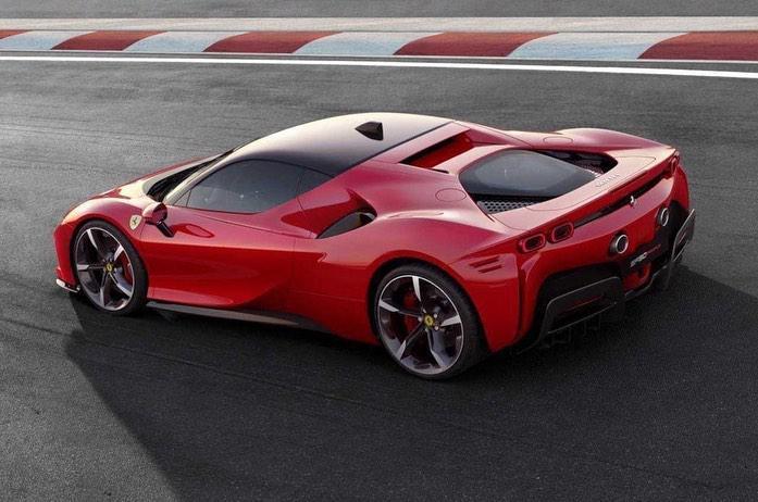 Ferrari SF90 Stradale lekt vroegtijdig uit