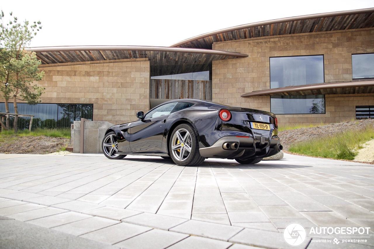 Spot van de dag: Ferrari F12berlinetta op een gave locatie