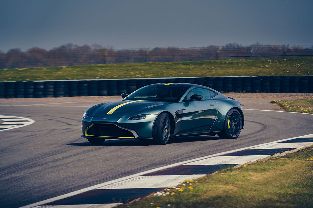 Feest voor de purist: Aston Martin Vantage AMR