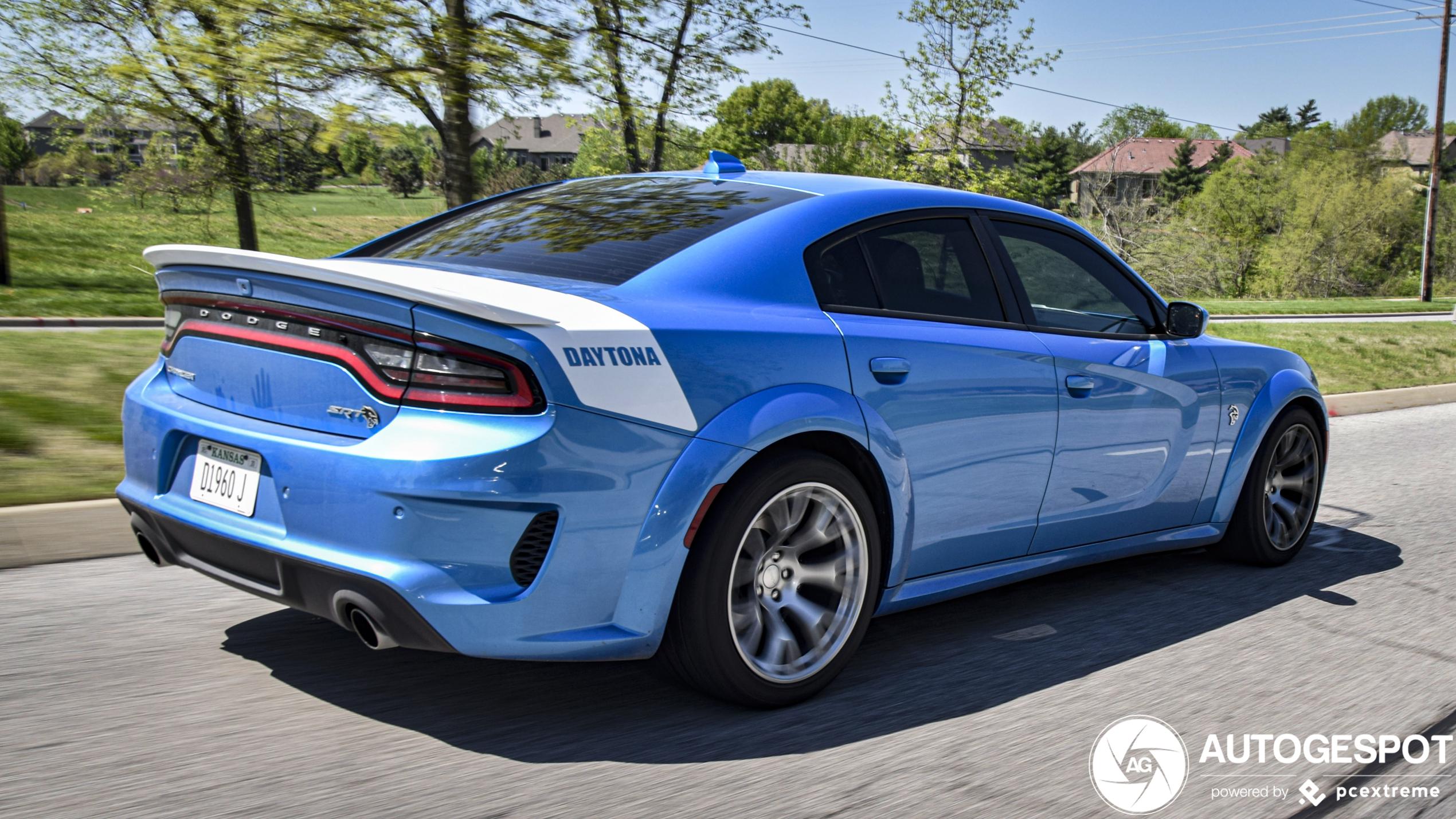 Bizarre Dodge Charger SRT Hellcat ter ere van zijn grootvader