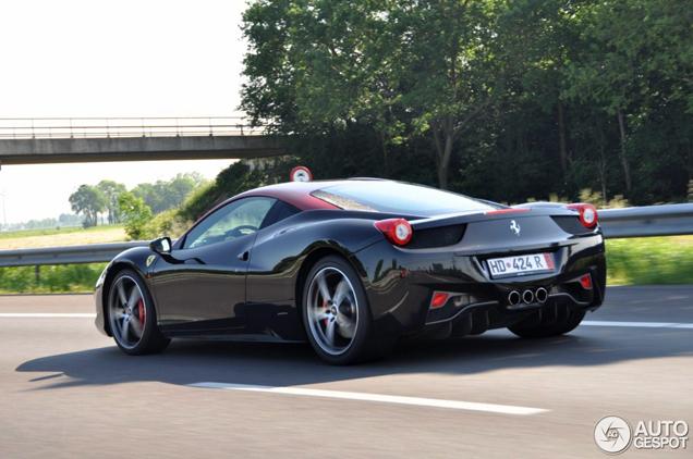 Gespot: exclusief samengestelde Ferrari 458 Italia