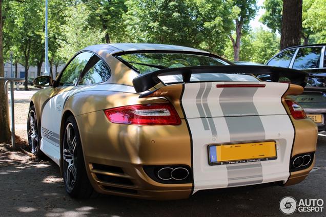 Fantastisch gewrapte Porsche 997 Turbo Techart MKI gespot!