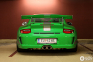 Bright green and bloody fast: Porsche 997 GT3 RS 4.0