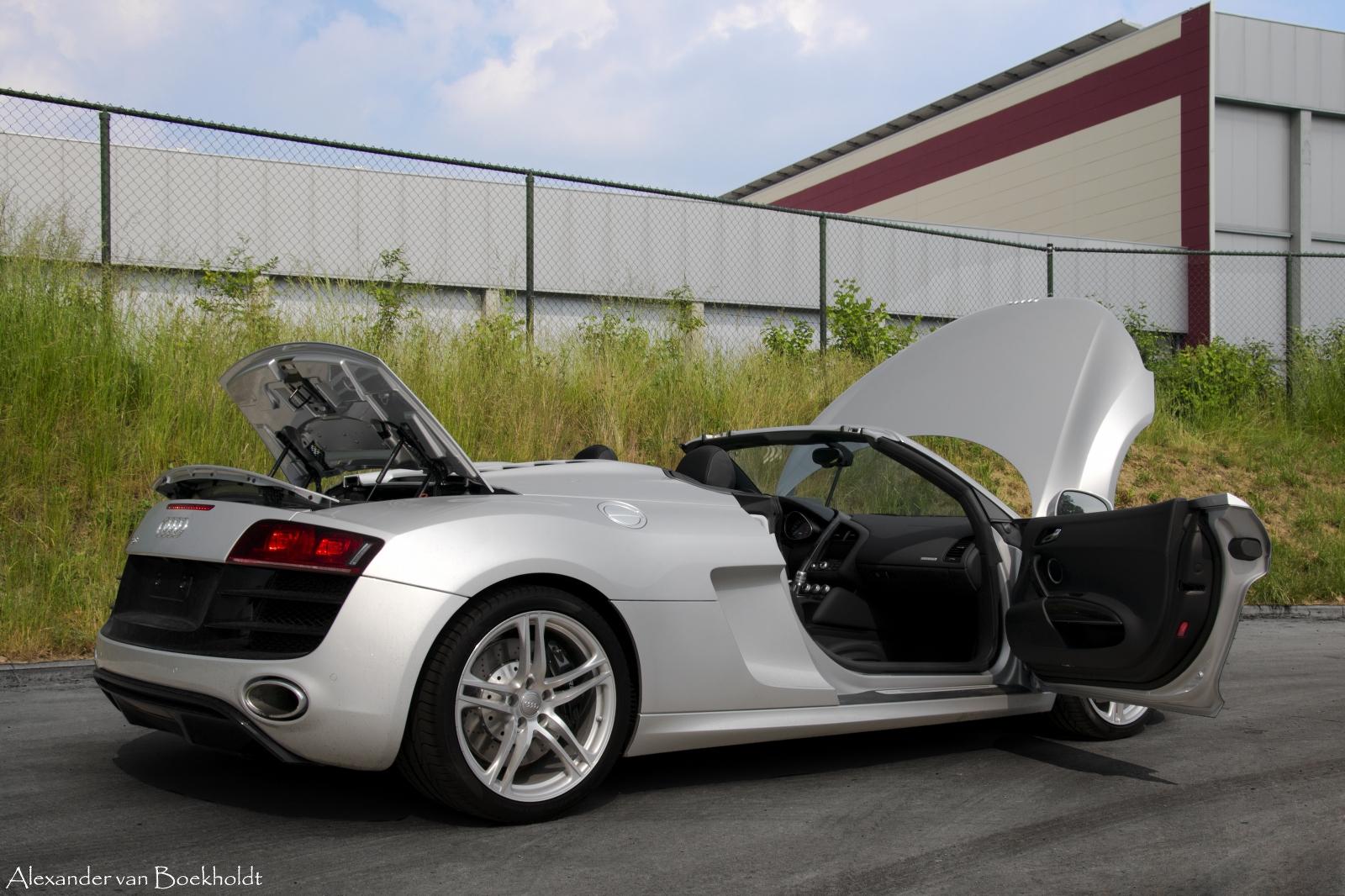 Audi audi r8 spyder v10 : Audi R8 V10 Spyder