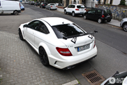 Unexpected brutal: Mercedes C63 AMG Coupé Black Series in white!