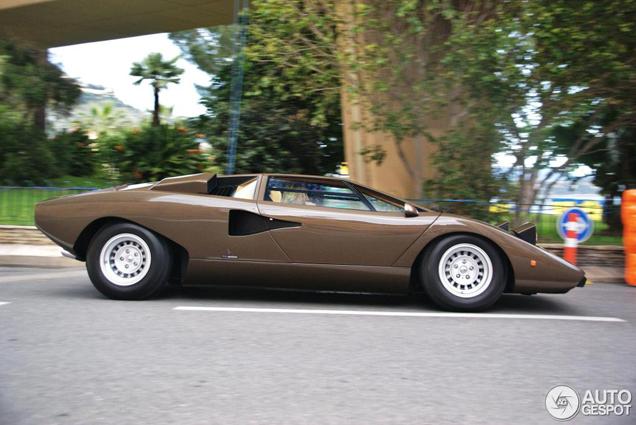 Legendarische Lamborghini Countach LP400 gespot!