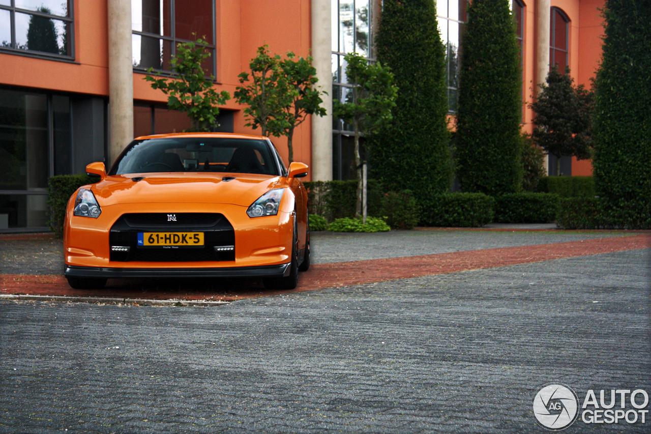 Fotoshoot: Nissan GT-R in de kleur Arancio Borealis