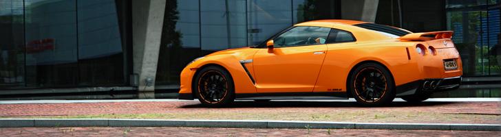 Photoshoot: Nissan GT-R  in Arancio Borealis