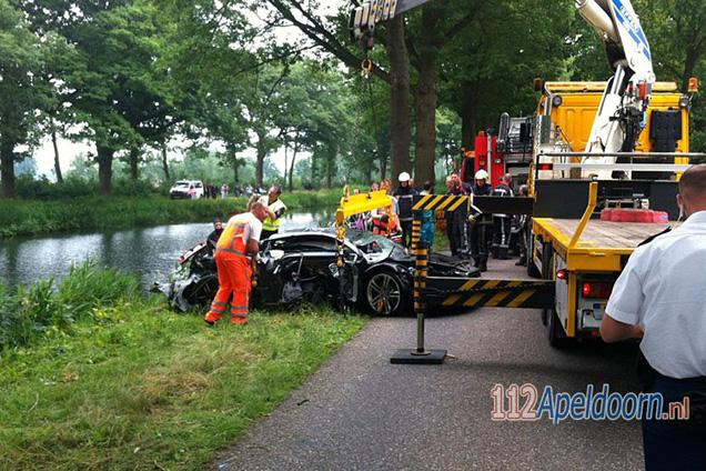 Man overlijdt bij eenzijdig ongeval met Audi R8