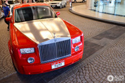 Stylish: red Rolls-Royce Phantom in Dubai
