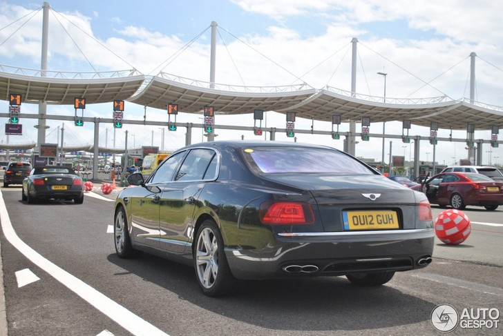 Spotted before the introduction: Bentley Flying Spur V8