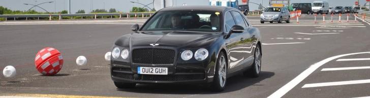 Fotografado antes do seu lançamento: Bentley Flying Spur V8