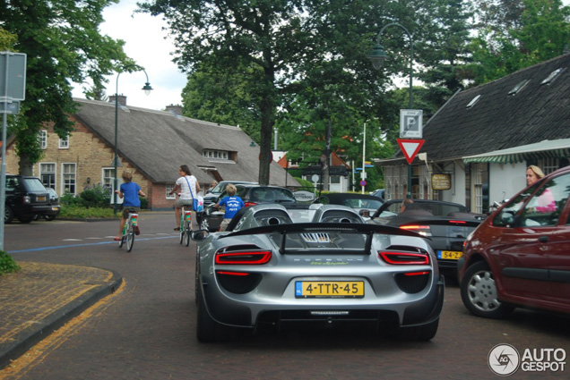 Spot van de dag: Porsche 918 Spyder in Laren