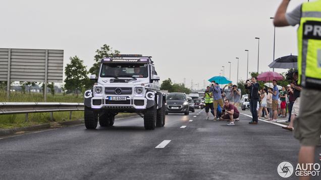 Gumball 3000: het wachten in Calais en het genieten in Parijs