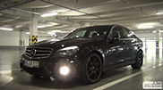 Movie: smoking tires with a Mercedes-Benz C 63 AMG