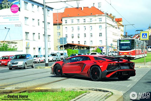 Eerste Lamborghini Aventador LP750-4 SuperVeloce gearriveerd in Tsjech