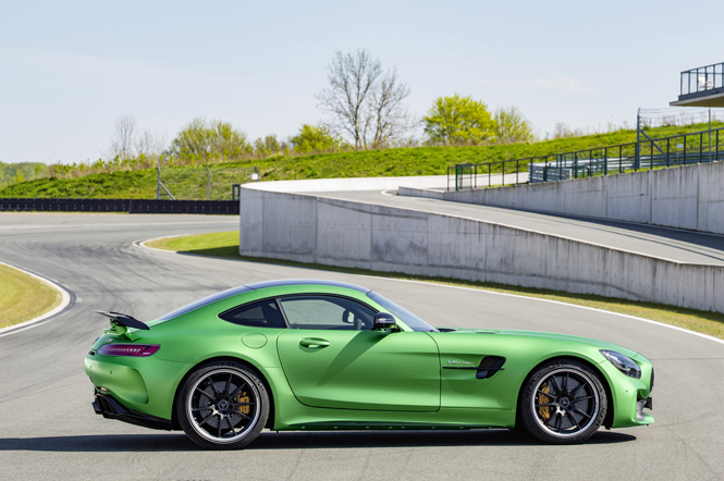 Mercedes-AMG GT R in detail