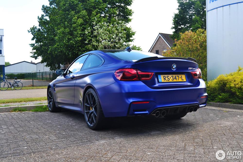 Spot van de dag: BMW M4 CS in het matblauw