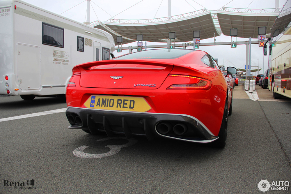 Aston Martin Vanquish Red Arrows edition is vooral rood