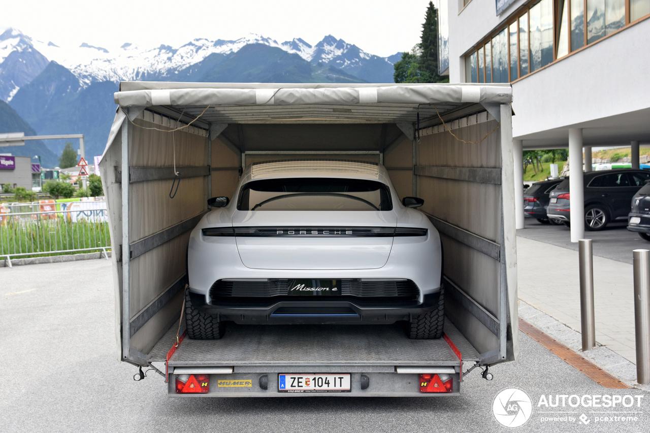 Porsche Mission E Cross Turismo wil niet zelf rijden