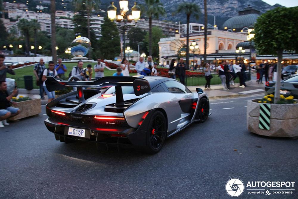 McLaren Senna is middelpunt van aandacht in Monaco