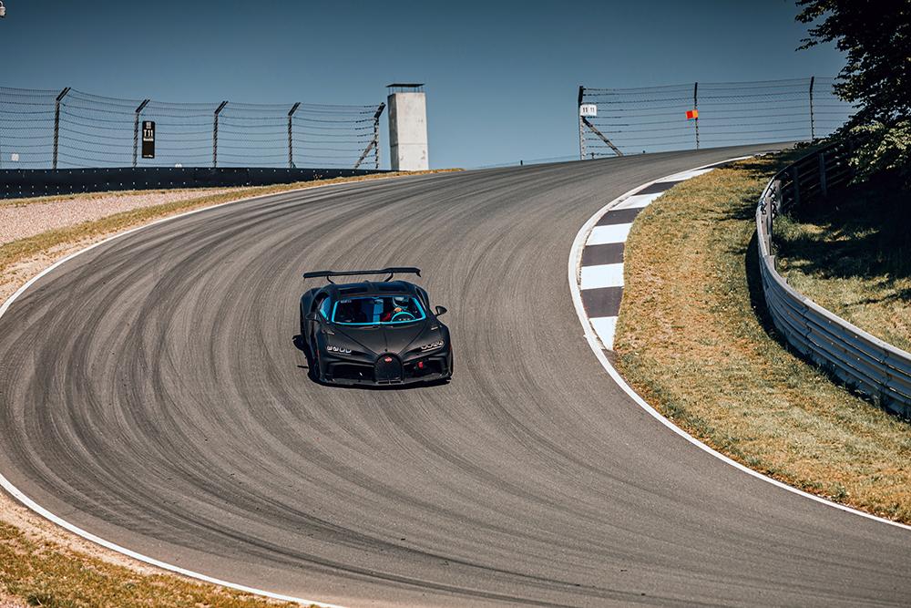 Filmpje: Bugatti Chiron Pur Sport in actie op circuit Bilster Berg