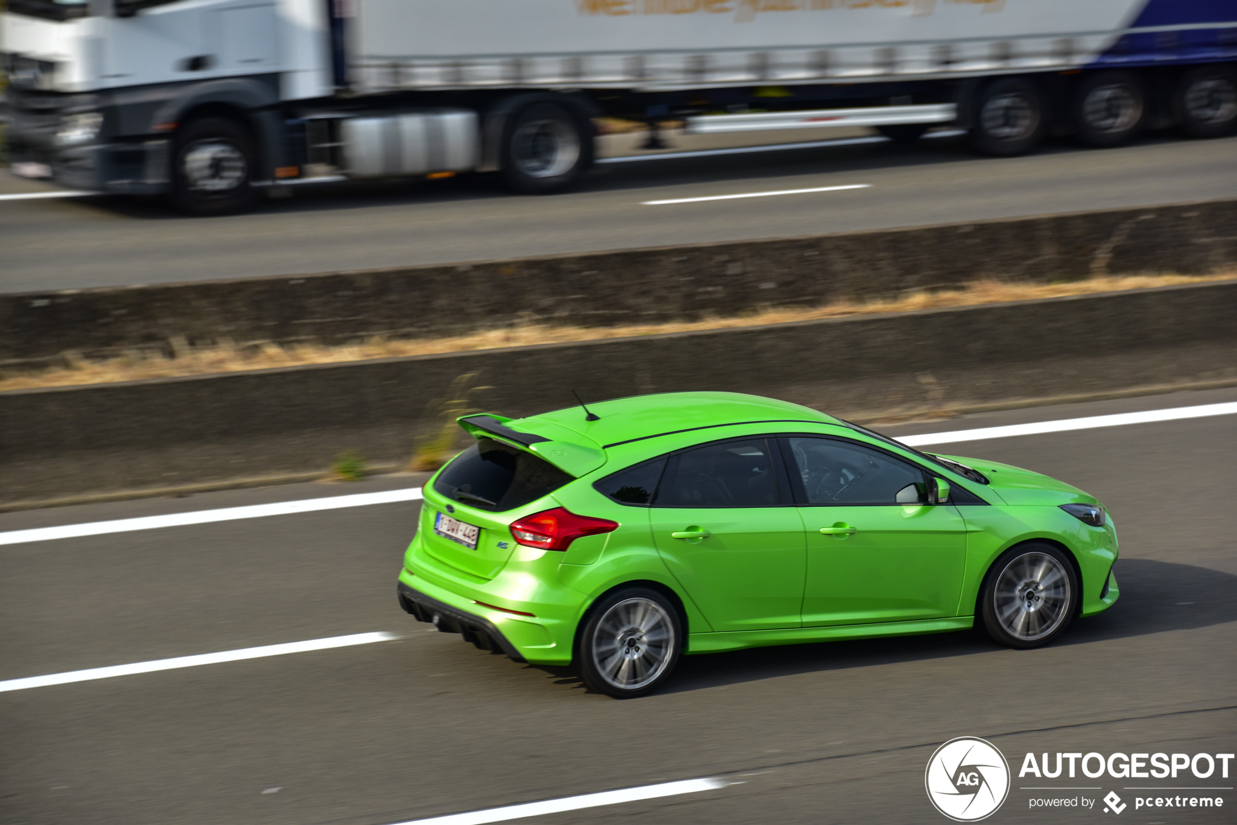 Ford Focus RS is in appeltjesgroen gestoken