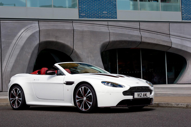 Officieël: Aston Martin V12 Vantage Roadster