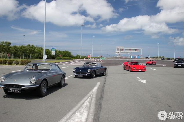 Ferrari 275 GTB in klassieke combo gespot