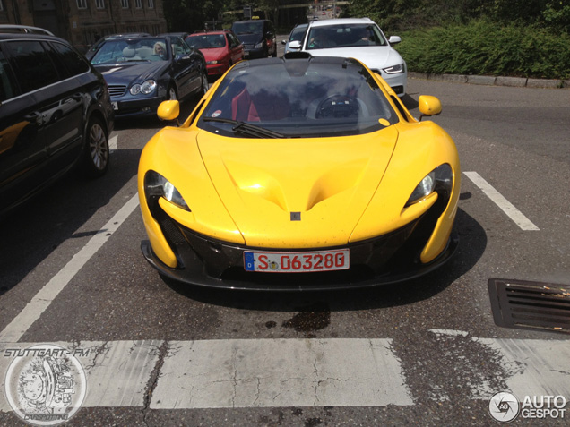 McLaren P1 with dealership license plates