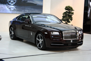 BMW demonstruoja Rolls-Royce Wraith!