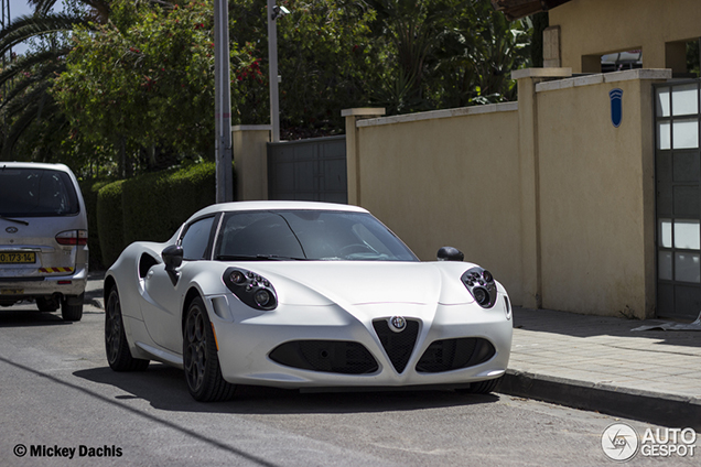Gespot in Israël: Alfa Romeo 4C Launch Edition