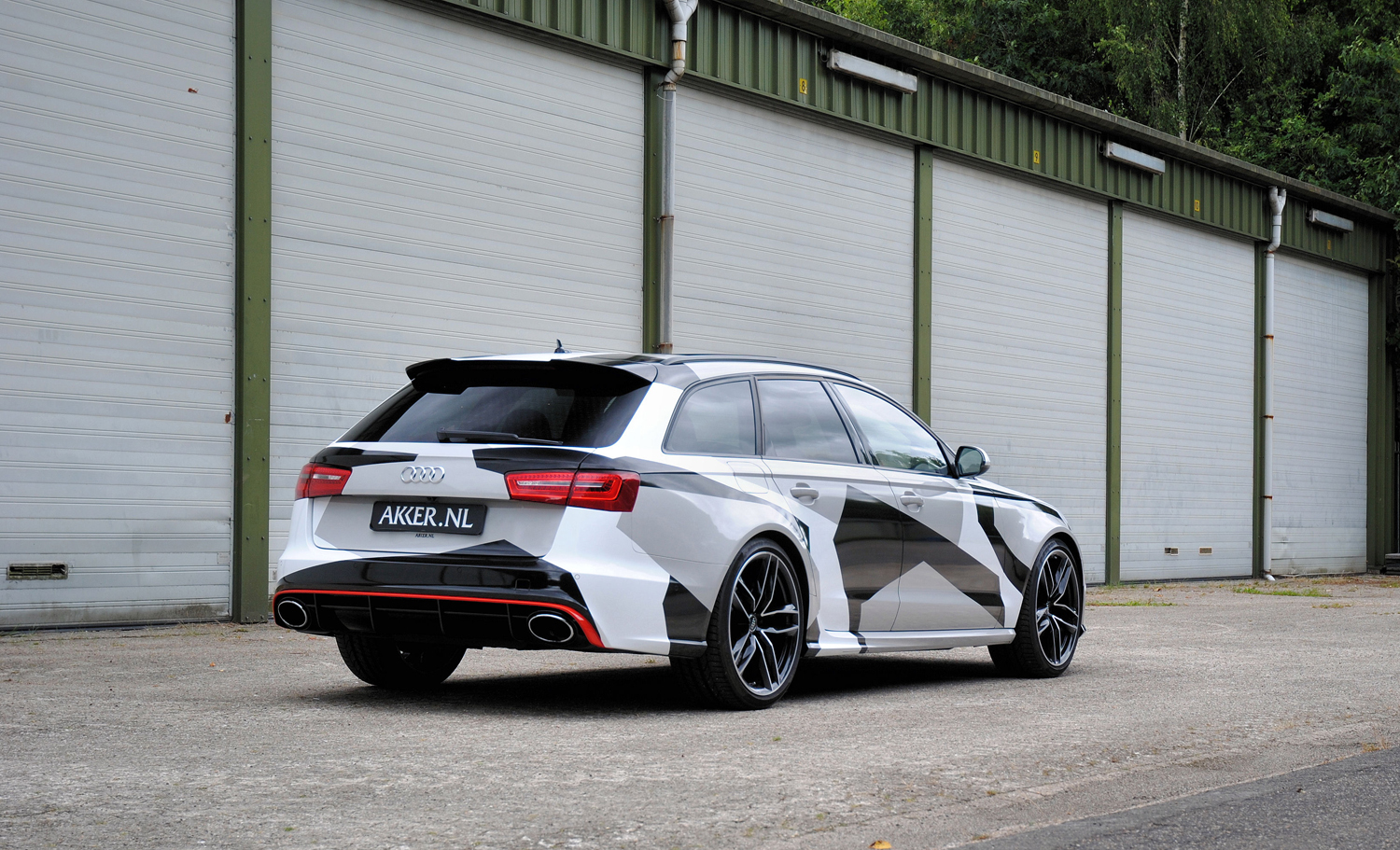 exact copy of jon olsson 39 s rs6 is driving around in the netherlands. Black Bedroom Furniture Sets. Home Design Ideas